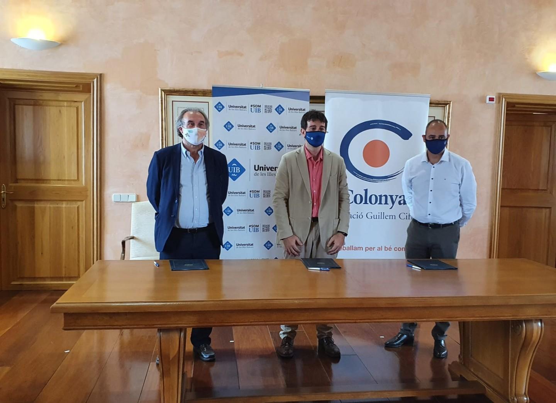 Colonya firma la renovación del convenio para la edición del Anuario de la Educación de las Islas Baleares